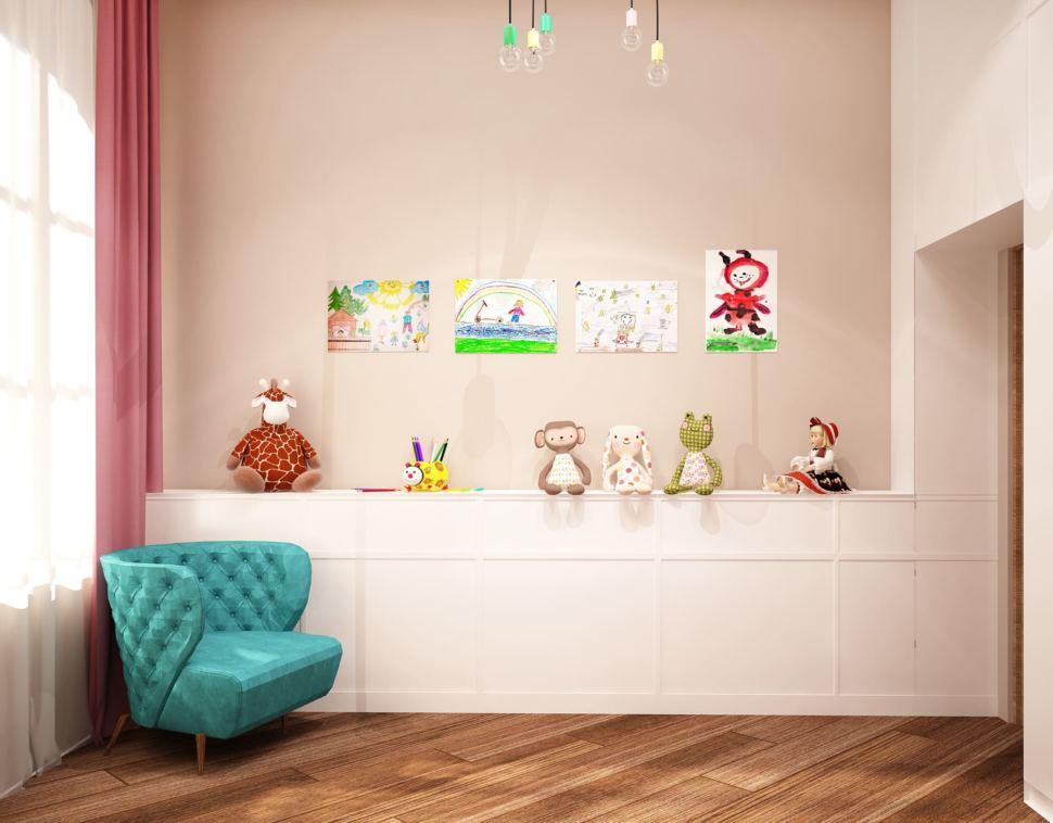 Визуализация детской комнаты для девочки 13 кв.м с нежными бежевыми оттенками в сочетании с розовыми акцентами, розовый диван, белый шкаф
