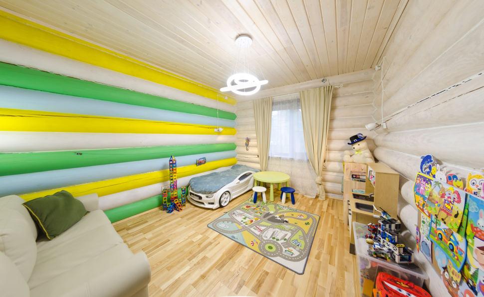 интерьер детской в стиле прованс, детский столик, кровать - машинка, светильники, акцент, игрушки, окно, портьеры
