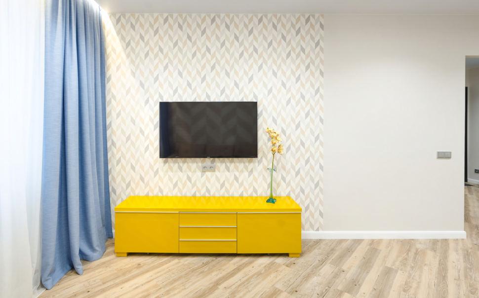 Фотография дизайна интерьера, декоративная белая перегородка, обои, кухня, стулья