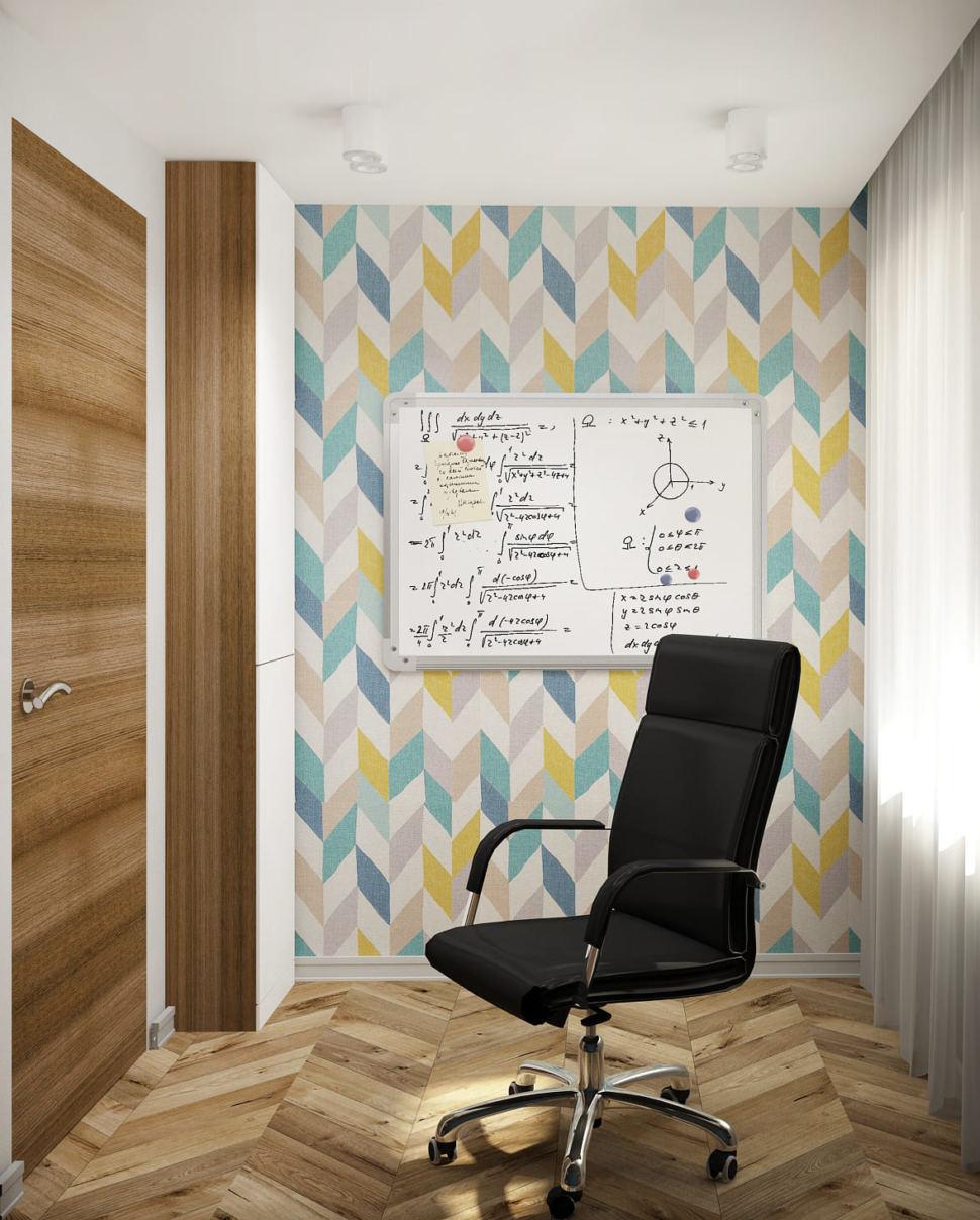 Дизайн-проект кабинета в теплых тонах 14 кв.м, черный офисный стул, бежевый паркет, доска, акцентные геометрические обои