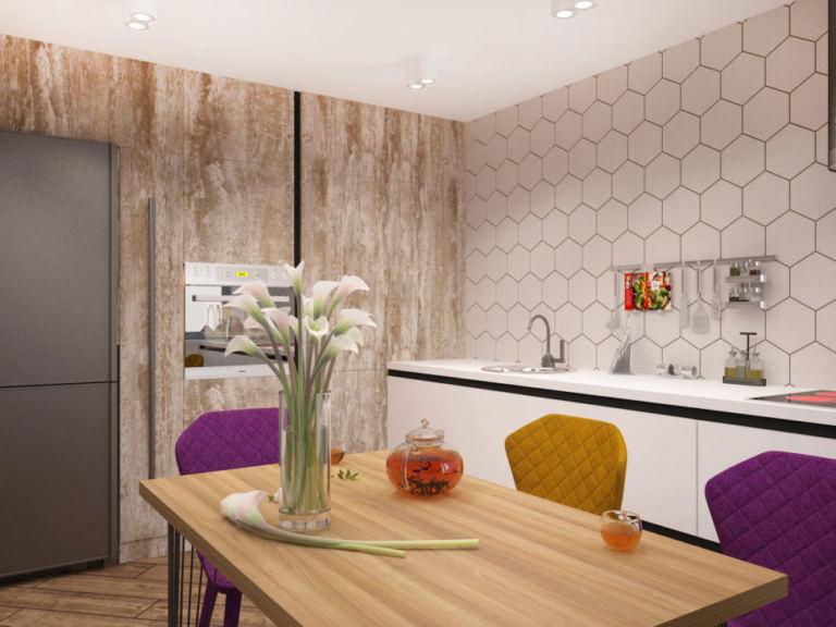 Дизайн интерьера кухни-гостиной в древесных тонах 33 кв.м, обеденный стол под дерево, фиолетовые и желтые обеденные стулья, холодильник, шкаф