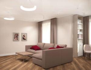 Визуализация гостиной 24 кв.м в древесных и бежевых тонах, белый шкаф, серый угловой диван, элементы декора, портьеры