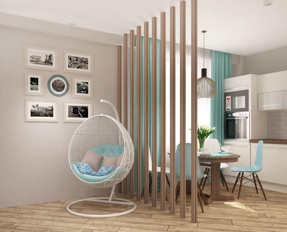 Проект спальни-гостиной 22 кв.м в песочных тонах с бирюзовыми оттенками, портьеры, декоративная перегородка, белое кресло - подвес, элементы декора