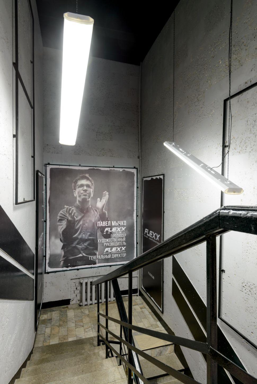 Реализация интерьера танцевальной студии 56 кв.м в стиле лофт, лестница, серые оттенки, фотографии, керамическая плитка