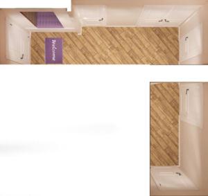 Проект прихожей-коридора 14 кв.м в древесных тонах, белая галошница, шкаф, зеркало, декор