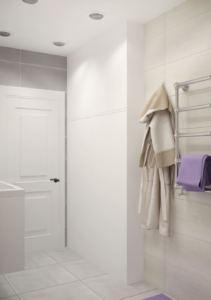 Интерьер ванной комнаты 6 кв.м в серо-бежевых тонах, сушилка, белая плитка, потолочные светильники