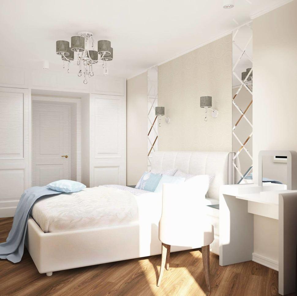 Интерьер спальни 12 кв.м в бежевых и молочных тонах, белое кресло, туалетный столик, кровать, прикроватные тумбочки, зеркало, шкаф